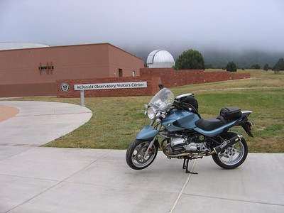 Dallara's faithful R-1150-R parked in front of the McDonald Observatory Visitor's Center. Great coffee there and a wonderful lady named Nancy Davis, who makes terrific chicken salad with pesto sandwiches!