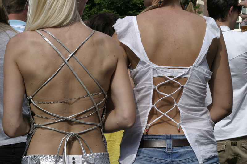 Hanke and Petra's sexy stringy tops from the back