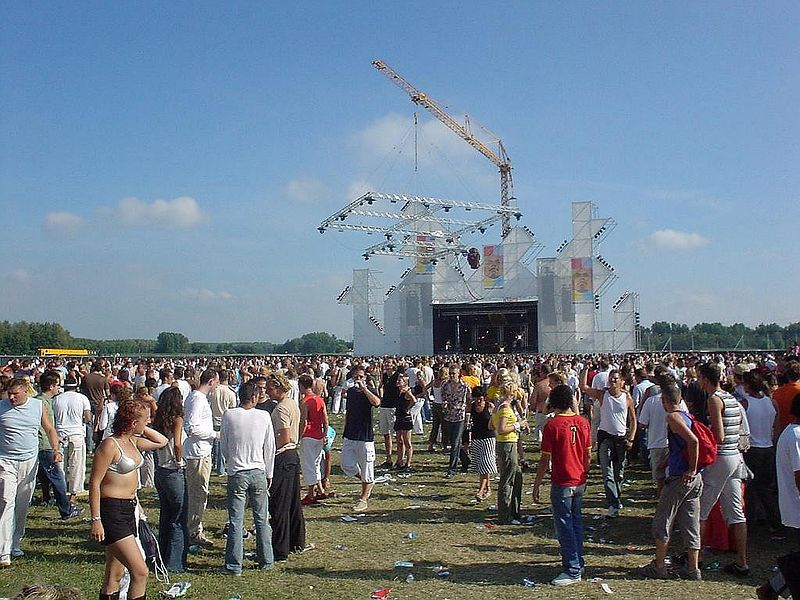 Global stage at Dance Valley, excellent DJs here too. It was hard to choose where to go...