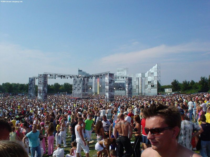 Dance Valley HQ stage