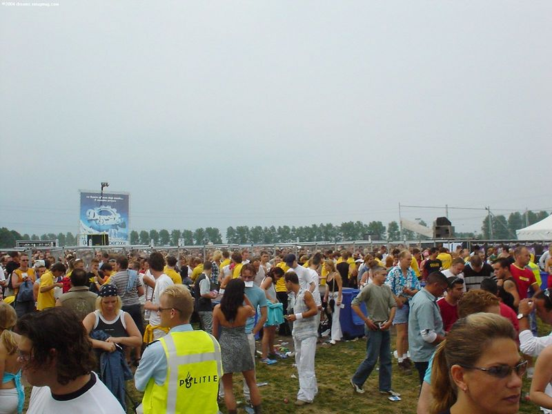 Crowds spilling through the security check gates of Dance Valley