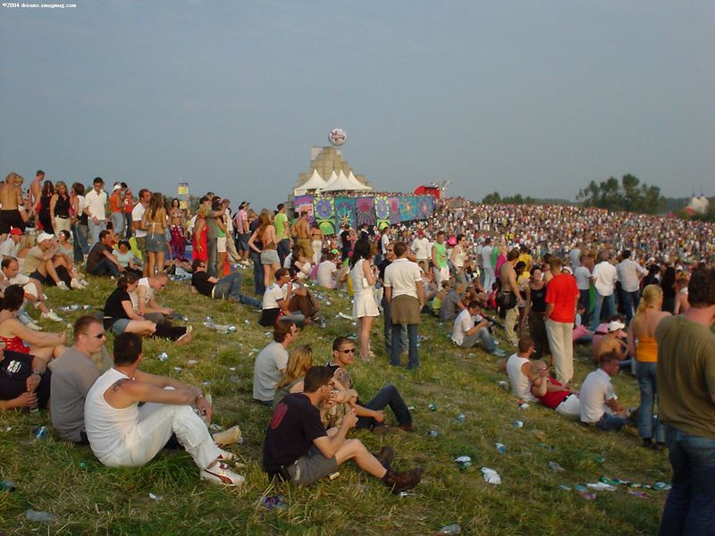 Main valley of Dance Valley, towards the VIP podium and the Coca Cola and Smirnoff booths