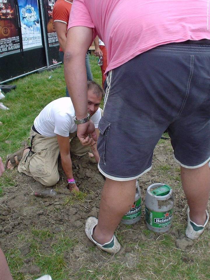 Couple of guys had burried 2 mini kegs of beer in the ground, some days before the festival. They dug them up upon arrival! LOL :respect:
