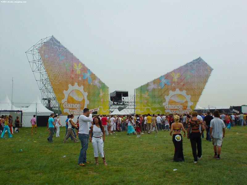 The entrance of Dance Valley