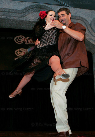 "BONITA SPRINGS, FL, March 1, 2008: Boston Red Sox third baseman Mike Lowell lifts his dance partner during their dance routing at the ""Dancing with the All-Stars"" dance contest to benefit the Mike Lowell Foundation and the Red Sox Foundation. (Brita Meng Outzen/Boston Red Sox)"