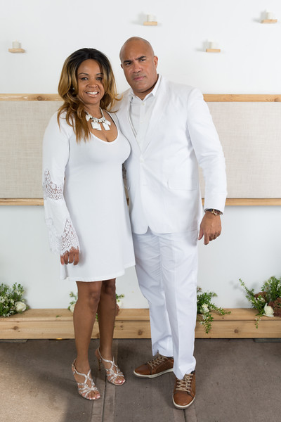 DeBartolo Eddie V white party 2015-10.jpg