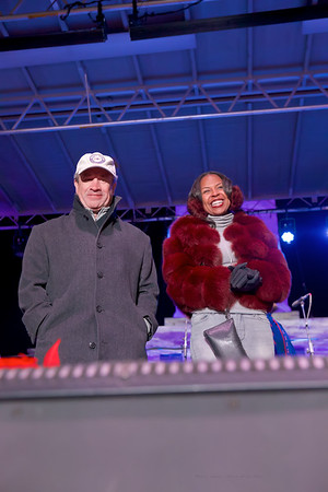 December 05, 2019 - 48th Annual Downtown Partnership Monument Lighting
