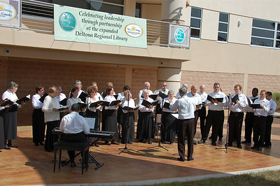 Deltona Amphitheater Entertainment by Volusia County Community Chorus © Nora Kramer. All rights reserved.
