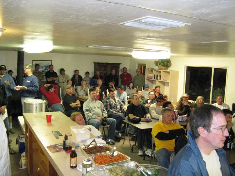 Large crowd in the Club House for the raffle.