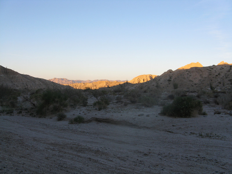 Sun starting to get low as we come out of Canyon Sin Nombre and the Mud Cliffs.
