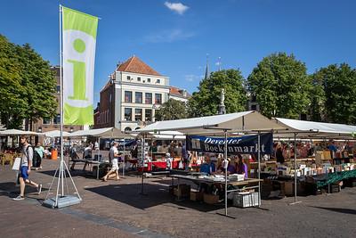 Informatiekraam Deventer Boekenmarkt Brink