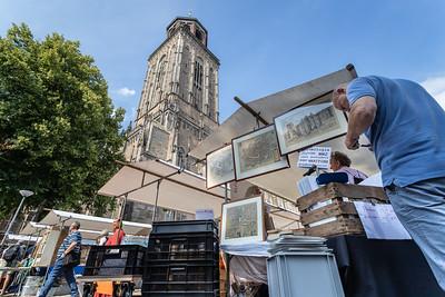 Kraampjes op plein het Grote Kerkhof