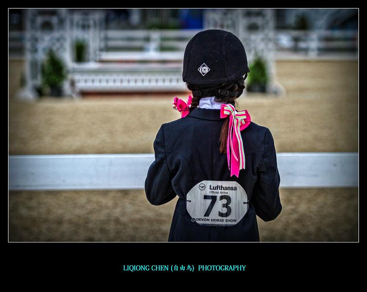 小美女赛马,可爱