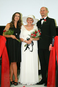 Cathy Price, their Mother Diana Bell and Paul Jones