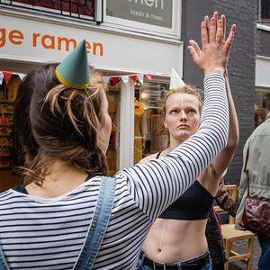 The White Stripe theateracrobatiek bij Hoge Ramen - Grote Overstraat