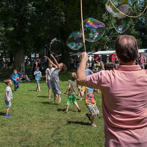 Mega Zeepbellen met Frans v/d Kamp