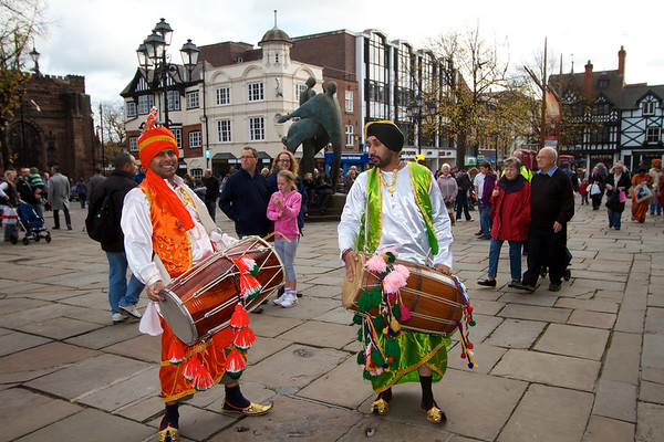 Diwali 2011 in chester-  street party with drums