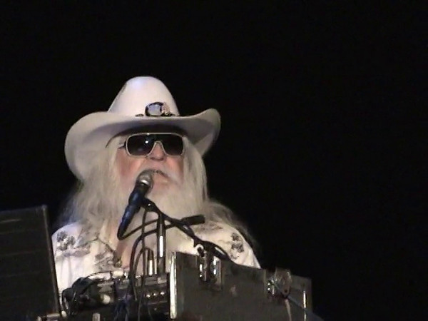 Some inciteful personal comments made by Leon Russell during his concert in Morehead City on April 25th, 2012.