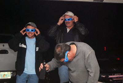 18 Super Bowl 43 3D glasses in the Bleacher Section