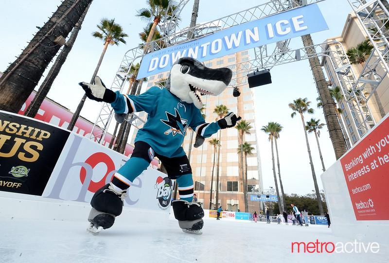 PHOTOS: Downtown Ice - Skate with Sharkie