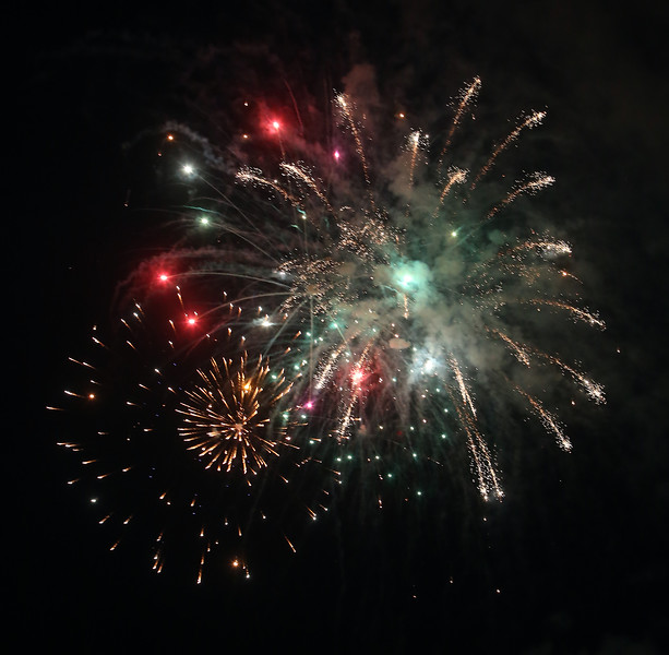 Annual concert and fireworks at Dracut school complex. (SUN/Julia Malakie)