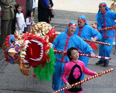 dragon-dance - performers in action - some motion blur