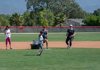 20180609-Dunn-Alums-Softball-game-5028