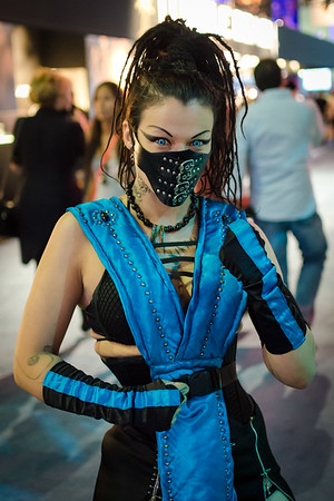 Mortal Kombat cosplay girl at E3 2012