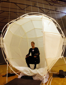 Panathinaikos's soccer player Andreas Ivanschitz is pictured by motion capture filming for the new game FIFA 08 in Barcelona, May 24, 2007. REUTERS/Albert Gea (SPAIN)