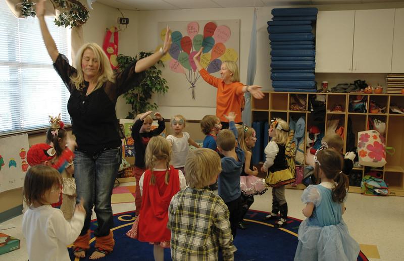 2011 10 ECDS Preschool Halloween 114