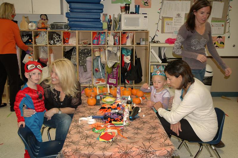2011 10 ECDS Preschool Halloween 33