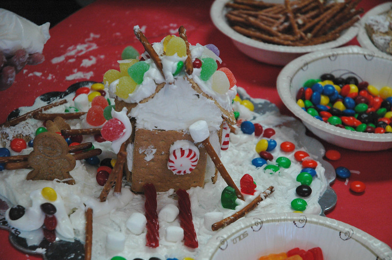 2011 12 ECDS Gingerbread Party 59