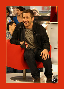 "Jake Gyllenhaal at ETALK to promote his movie ""Prince of Persia: the Sands of Time"" ..."