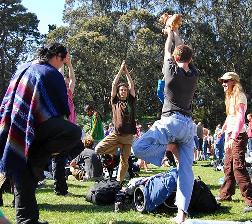 Yogi freaks again at Earthday concert at GG Park