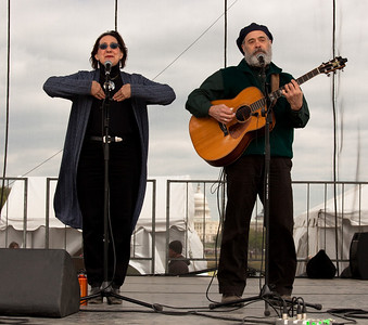 Magpie duo Greg Artzner and Terry Leonino perform on the National Mall in Washington DC during Earth Day Celebrations. Terry and Greg are internationally known for their musical work in the environmental movement. April 18, 2010. (Photo by Jeff Malet)