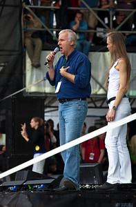 James Cameron, the producer of the environmentally themed movie Avatar join the thousands gathered for the Climate Rally held at the National Mall in Washington DC, a free concert for the 40th anniversary of Earth Day.  April 25, 2010.  (Photo by Jeff Malet)
