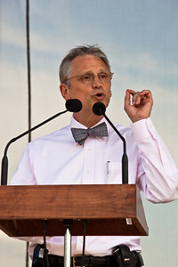 Representative Earl Blumenauer (D-OR) speaks during Earth Day festivities on the National Mall in Washington DC. April 22, 2010 marked the 40th Anniversary of Earth Day. (Photo by Jeff Malet)