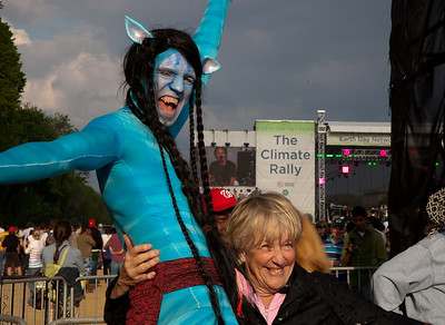 Characters of the environmentally themed movie Avatar join the thousands gathered for the Climate Rally held at the National Mall in Washington DC, a free concert for the 40th anniversary of Earth Day.  April 25, 2010.  (Photo by Jeff Malet)