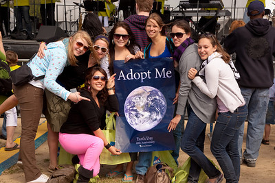 A group of au pairs celebrating Earth Week on the National Mall in Washington DC on April 17, 2010.  (Photo by Jeff Malet)