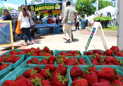 Easton Farmers' Market - Strawberry Day June 3, 2017