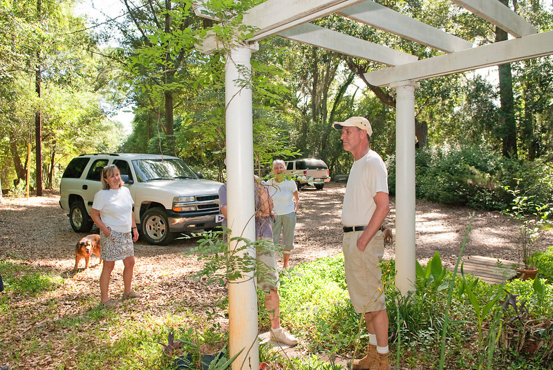Coastal Gardening at Dodge Plantation outing