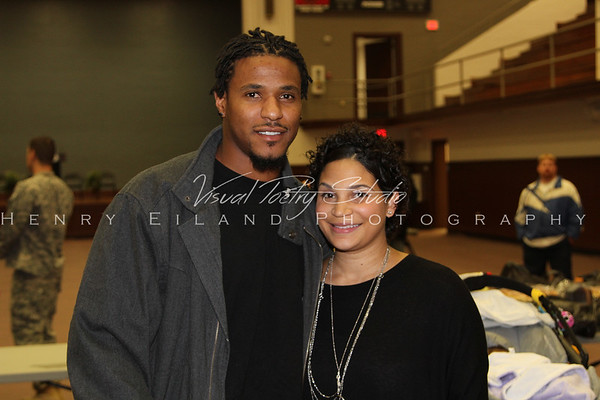 Edwin & Erika Jackson & The T.H.RO.W. Foundation Presents a T.H.R.O.W. Foundation Thanksgiving