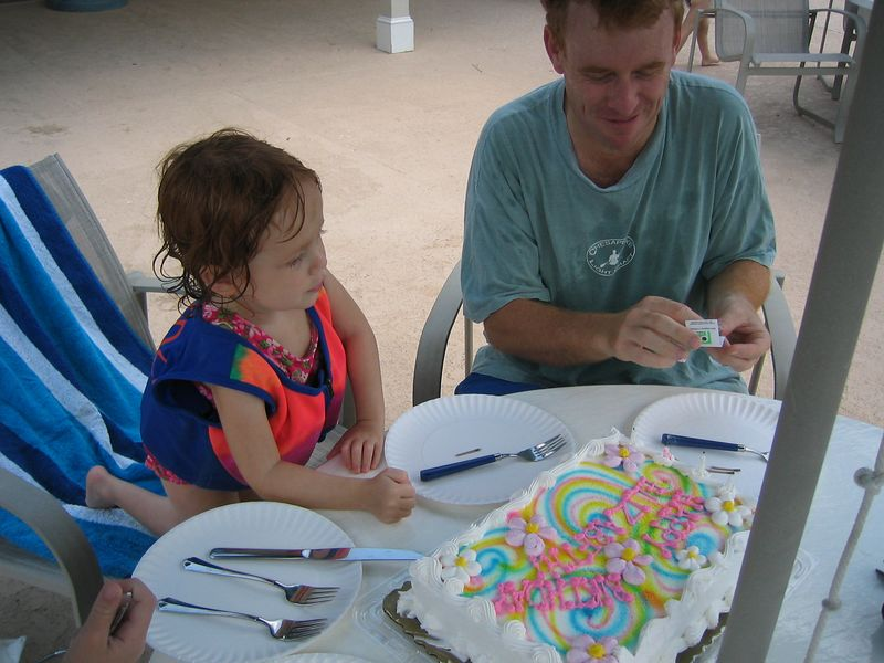 Cake time for 4 year old Elizabeth!  She picked out this cake with Daddy!