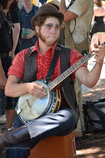 Banjo,  Burns & Brows