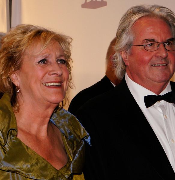 """Beppie Melissen met haar man, winnares van het Gouden Kalf voor de beste vrouwelijke bijrol in """"Gooische Vrouwen""""."""