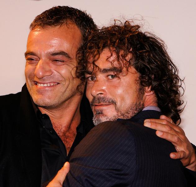 Jeroen Willems op weg naar het Gala van het  Nederlands Film Festival, waar hij het Gouden Kalf uitdeelt voor het beste scenario aan Nanouk Leopold. Jeroen Willems is op 3 december 2012 overleden aan een hartstilstand.