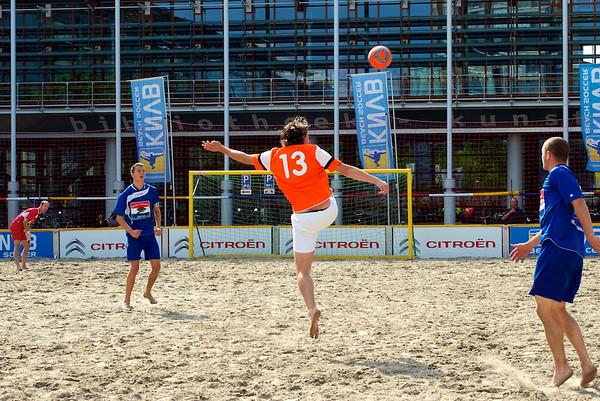 City Beach Tour 2012 en sportmarkt op Stadsplein Amstelveen