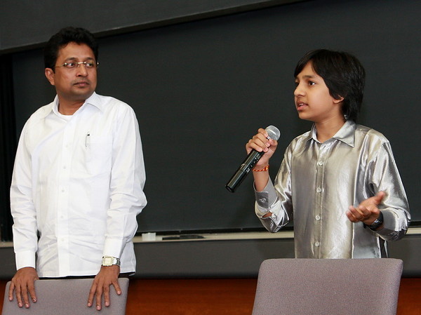 Shrikanth & Master Kishan at India Development Service 2009 Symposium, Loyola Medical School, Maywood (Chicago), Illinois.