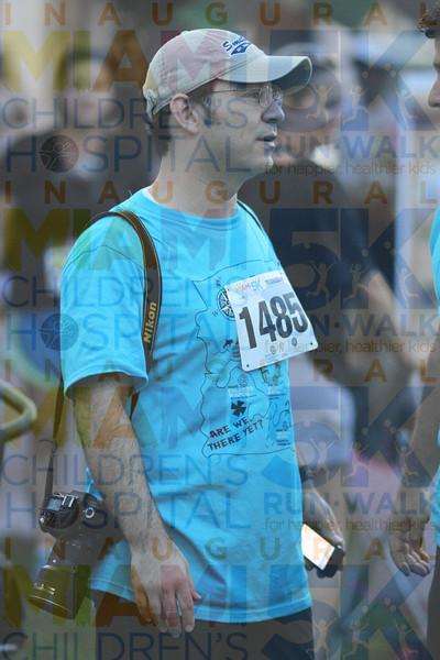 2011MCH5K_0727O OMAR 1485 candids