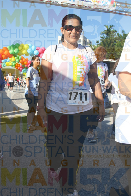 2011MCH5K_3380O OMAR 1711 finish